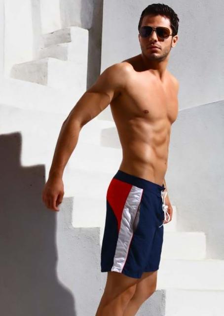 http://mensunderwearworld.com/wp-content/uploads/2011/06/jolidon-swimwear-2011-61.jpg